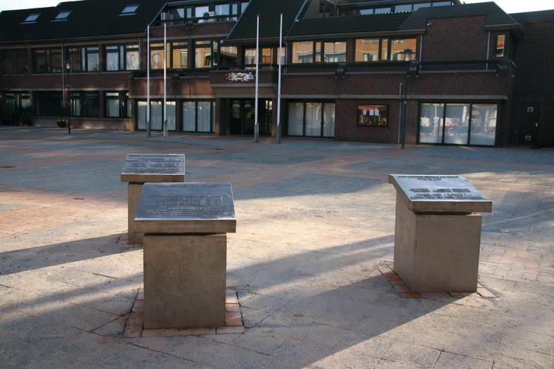 Drie gedenktafels 1-ABeerends-Wvd Horst-MvAmerongen-1 opstelling sinds 2007