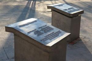 Drie gedenktafels 4-ABeerends-Wvd Horst-MvAmerongen-tafel medeburgers in verzet