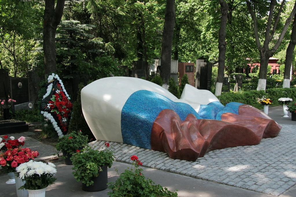 Moskou - Graf van Jeltsin- foto ©2008 Henk Butink