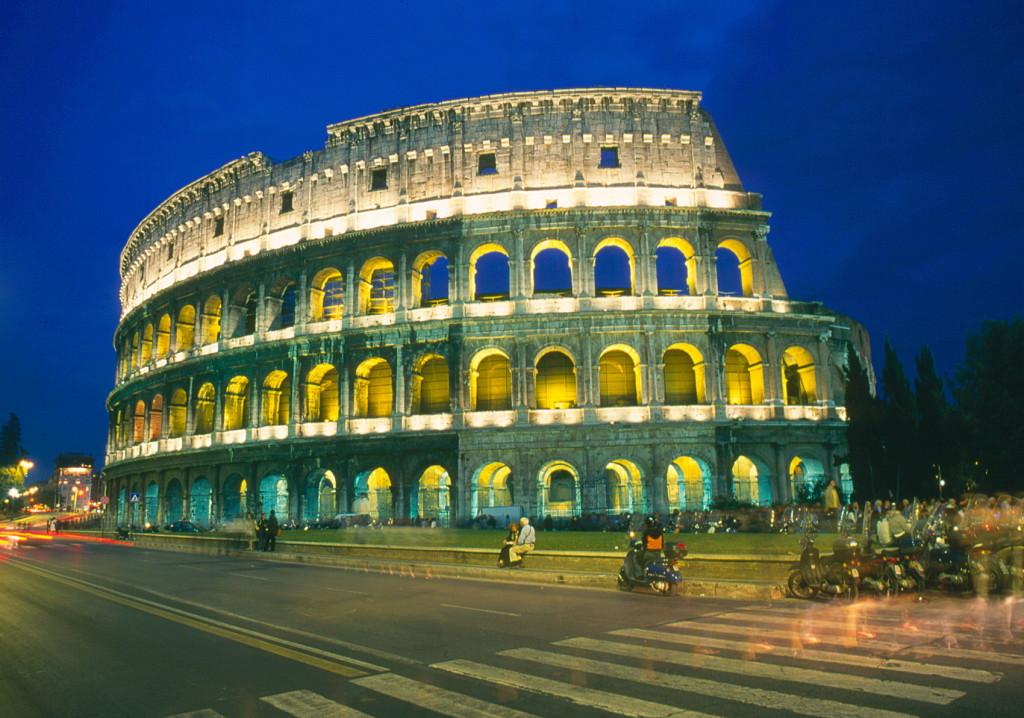 Rome Colloseum 's avond V 4990 colormgt-1700pix- dia Henk Butink