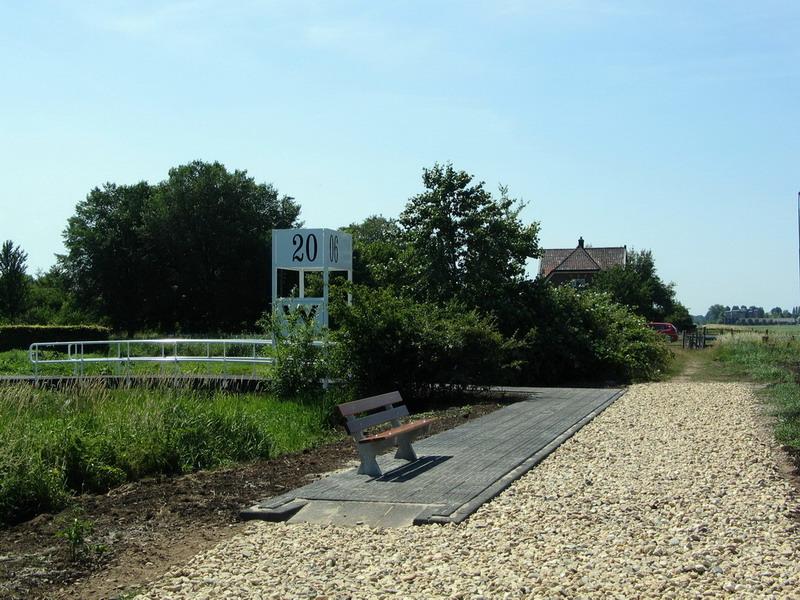 Station 2006-Frank Bezemer 4-brug en perron