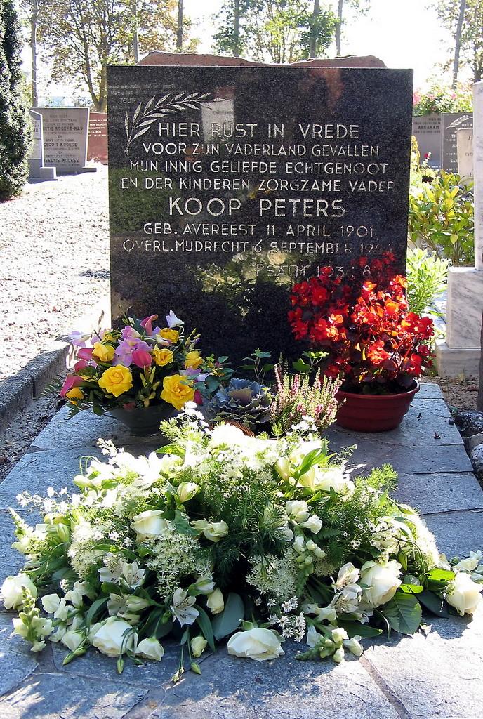 Koop Peters-graf op Janskerkhof