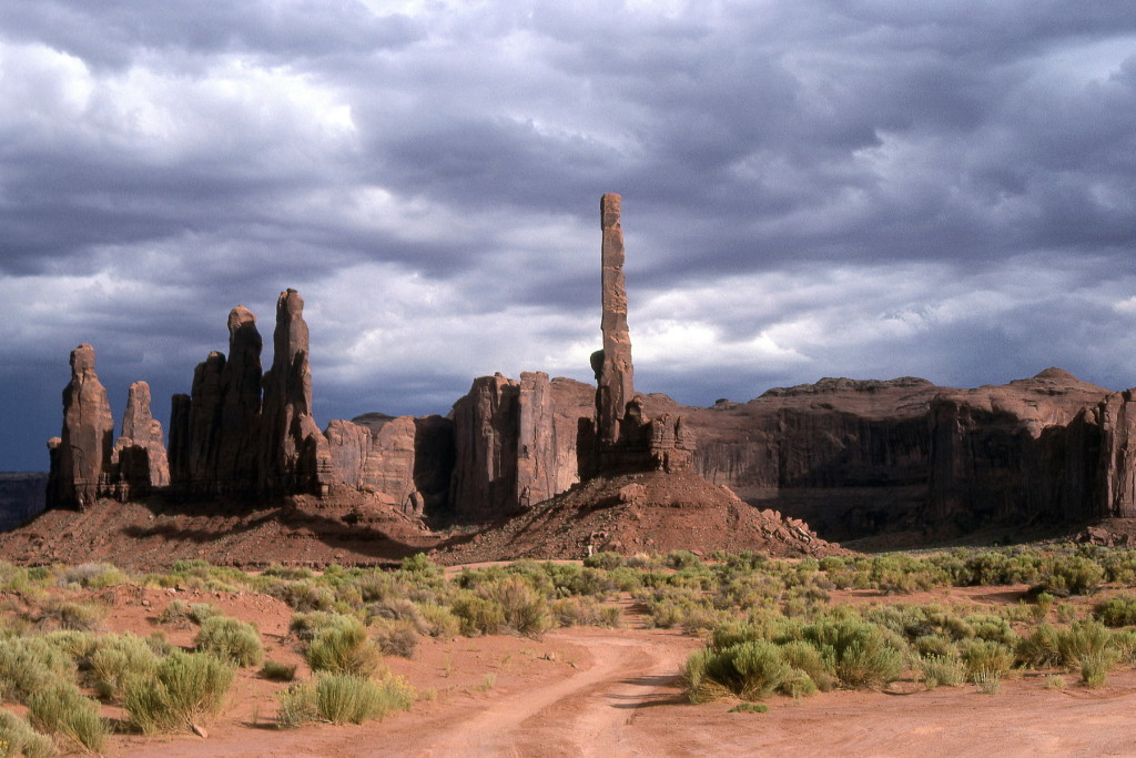 1994-usa-256-monument valley needle thunderstorm-3-2-1800pix