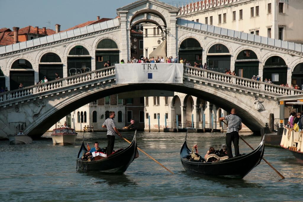 2011 Venetië Rialtobrug 3520-e- foto © Henk Butink 10x15cm