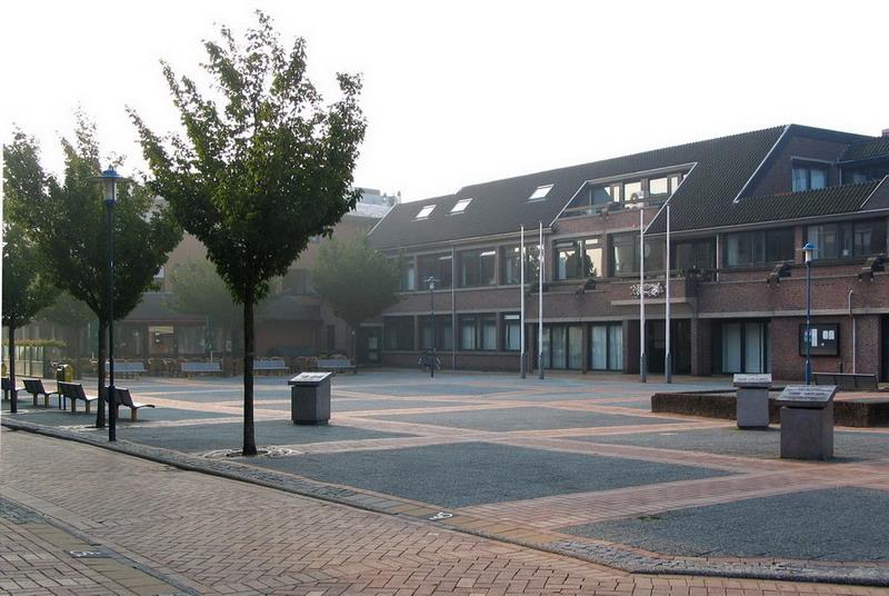 Drie gedenktafels 7-ABeerends-Wvd Horst-MvAmerongen- opstelling 1995-2007