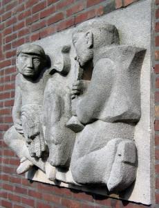 Gevelsteen St Antonius-kunstenaar onbekend-zijaanzicht vanaf rechts