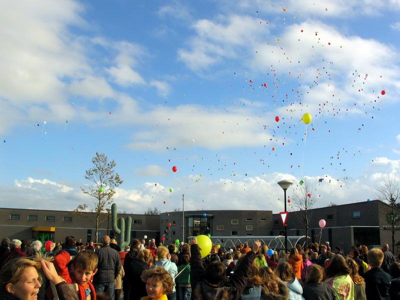 San Pedro-Lino Hellings 5-onthulling 31 okt 2006 ballon oplaten