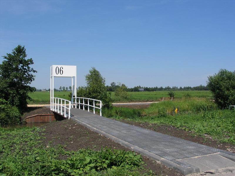 Station 2006-Frank Bezemer 2 -vanaf parkeerplaats begraafplaats