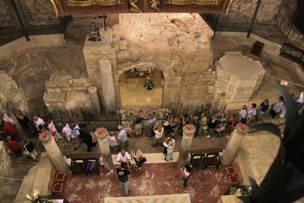 04045-Nazareth-5214b-e gezicht op grot- Annunc-kerk rk-1500pix